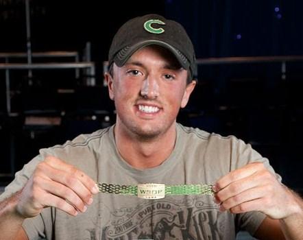 Carter Phillips Mit Seinem Bracelet Von 2010